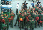 Chinese-soldiers-posing-riot-monks-1.jpg